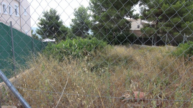 Buena parcela en Urbanización Cumbres de Calicanto